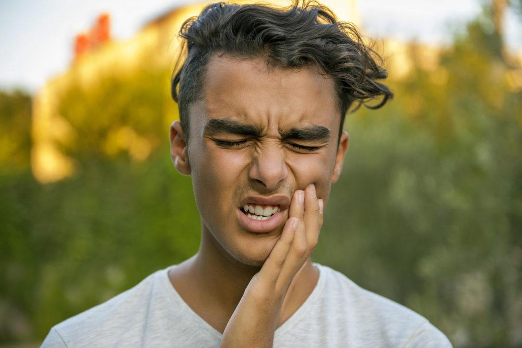Save your emergency dentist in Fort Lauderdale's phone number for helpful advice during a dental emergency.